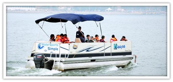 WSSLuxury Pontoon Boat